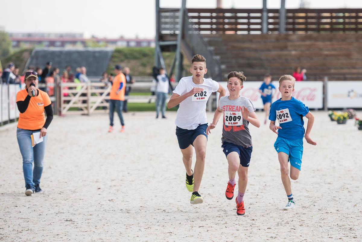 malí bežci počas Pomlé Run 5